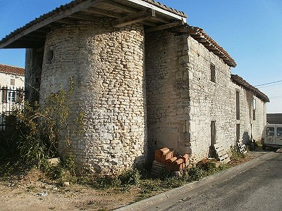 Image 4 | 12 bedroom house for sale with 0.46 hectares of land, Aigre, Charente , Poitou-Charentes 186690