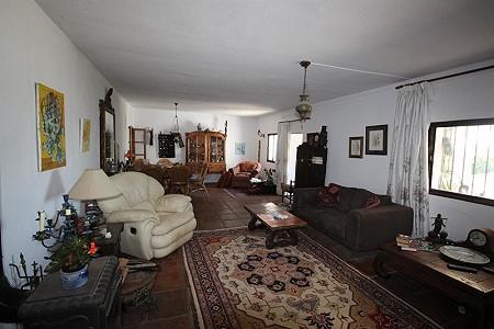 Image 15 | 4 bedroom farmhouse for sale with 0.34 hectares of land, San Enrique de Guadiaro, Cadiz, Andalucia 186773