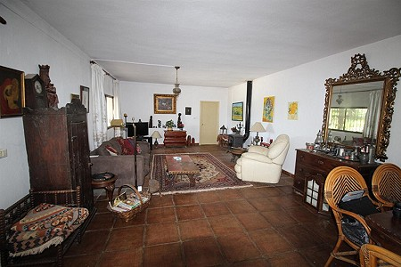 Image 20 | 4 bedroom farmhouse for sale with 0.34 hectares of land, San Enrique de Guadiaro, Cadiz, Andalucia 186773