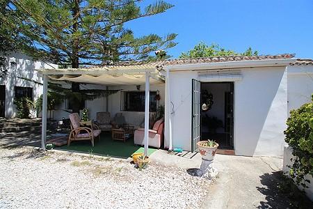 Image 4 | 4 bedroom farmhouse for sale with 0.34 hectares of land, San Enrique de Guadiaro, Cadiz, Andalucia 186773