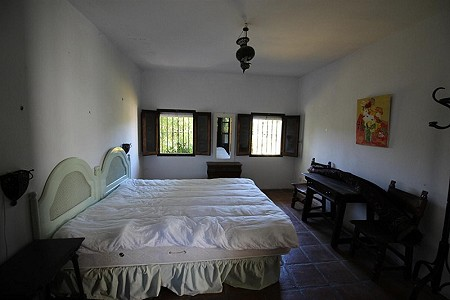 Image 6 | 4 bedroom farmhouse for sale with 0.34 hectares of land, San Enrique de Guadiaro, Cadiz, Andalucia 186773