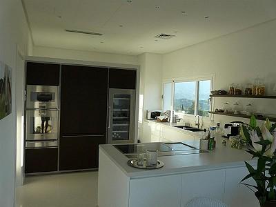 Image 6   4 bedroom villa for sale with 854m2 of land, La Cala Golf, Mijas, Malaga Costa del Sol, Andalucia 186853