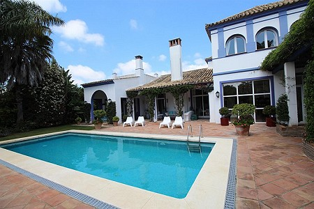 Image 1 | 6 bedroom villa for sale with 0.21 hectares of land, Sotogrande, Cadiz, Andalucia 187018