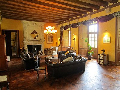 Image 10 | Charming French Chateau for Sale in the Loire Valley with 11 Bedrooms and Boutique Hotel Appeal 187049
