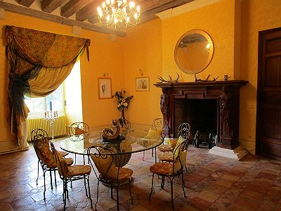 Image 11 | Charming French Chateau for Sale in the Loire Valley with 11 Bedrooms and Boutique Hotel Appeal 187049