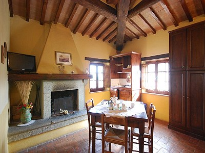 Image 8   Agrotourism Complex with 4 Farmhouses in Citta Della Pieve, Umbria for sale with 90000m2 of land 187103
