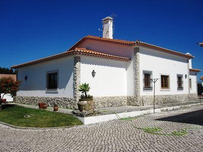 Image 3 | 4 bedroom villa for sale with 1,700m2 of land, Lourinha, Lisbon District, Costa de Prata Silver Coast 187263