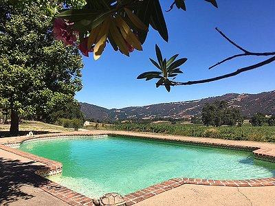 Image 3   Beautiful Vineyard Estate in California set in 1,000 Acres in the Carmel Valley 187502