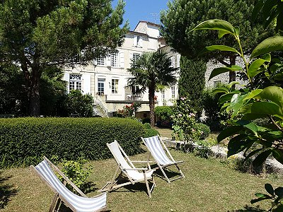 7 bedroom house for sale, Saintes, Charente-Maritime, Poitou-Charentes