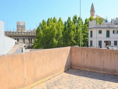 Hotel in need of total renovation for sale in the centre of the old city of Palma Mallorca