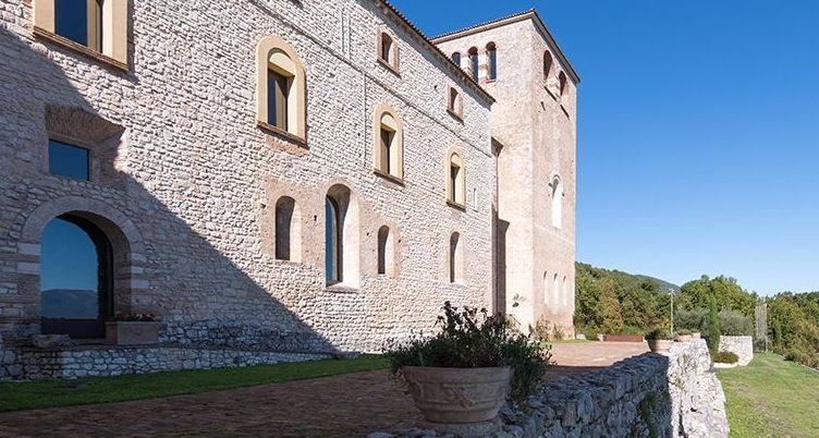 Image 9 | Magnificent renovated former abbey with various apartments for sale in Rieti  194139