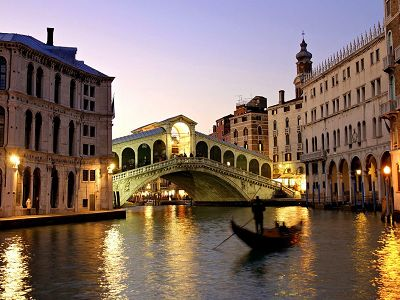 Superb hotel for sale in the heart of  Venice
