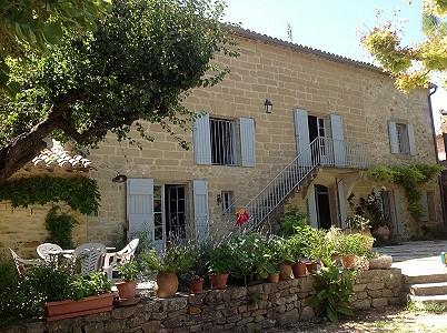 House uzes france 195023 prestige property group for Garage uzes gard