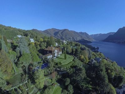 This superb estate on the banks of Lake Como is for sale with panoramic views of the lake.