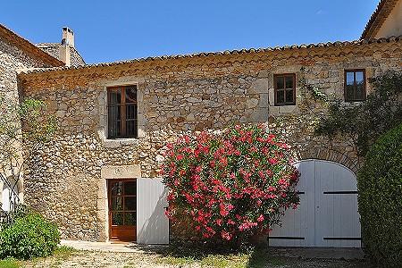 House uzes france 195236 prestige property group for Garage uzes gard