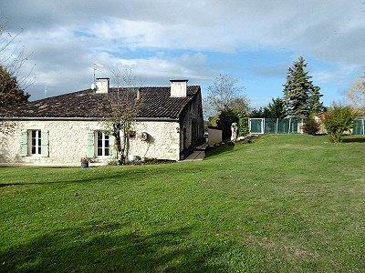 6 bedroom farmhouse for sale, Sauveterre de Guyenne, Gironde, Aquitaine