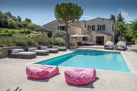 4 bedroom farmhouse for sale, Oppede, Vaucluse, Provence French Riviera