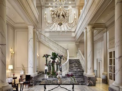 Magnificent five star hotel in Milan for sale with 98 guest bedrooms and suites with terraces.