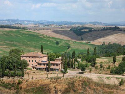 Country house, Agriturismo/B&B villa for sale in Tuscany with huge potential