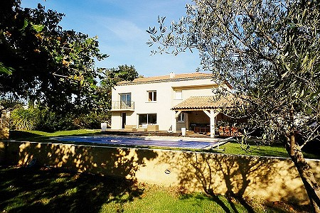 4 bedroom house for sale, Uzes, Gard, Languedoc-Roussillon