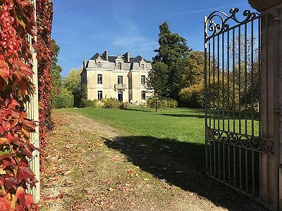 4 bedroom French chateau for sale, Verteillac, Dordogne, Aquitaine