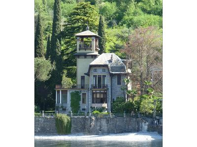 Magnificent Art Nouveau villa for sale on Lake Como with private beach and mooring