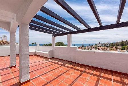 3 bedroom apartment for sale, Arroyo Vaquero, Estepona, Malaga Costa del Sol, Andalucia