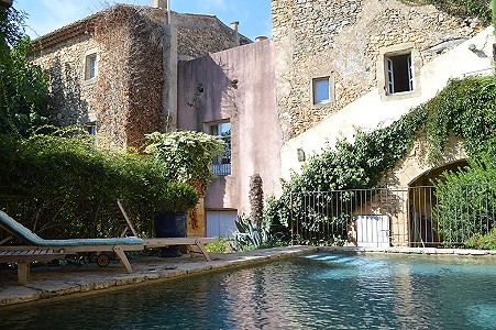 8 bedroom house for sale, Uzes, Gard, Languedoc-Roussillon