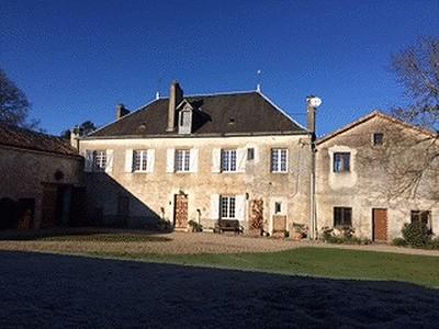 5 bedroom manor house for sale, L'isle Jourdain, Vienne, Poitou-Charentes