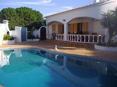 3 bedroom villa for sale, Praia da Luz, Lagos, Algarve
