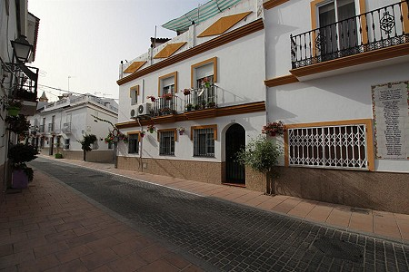 3 bedroom house for sale, Estepona Centro, Estepona, Malaga Costa del Sol, Andalucia