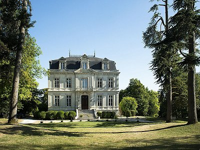 11 bedroom French chateau for sale, Lignieres Sonneville, Charente-Maritime, Poitou-Charentes