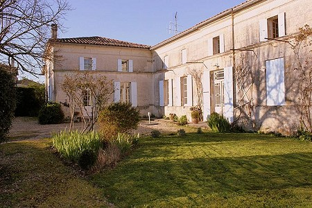 6 bedroom farmhouse for sale, Mortagne Sur Gironde, Charente-Maritime, Poitou-Charentes
