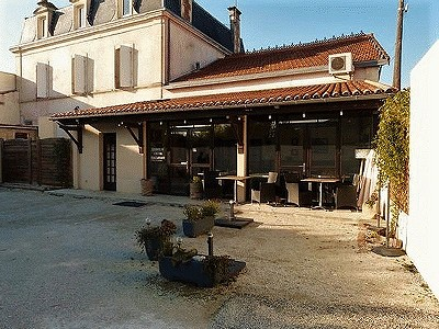 10 bedroom hotel for sale, Saint Jean D'angely, Charente-Maritime, Poitou-Charentes