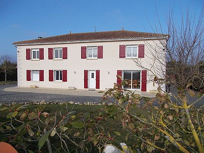 4 bedroom house for sale, Mansle, Charente, Poitou-Charentes