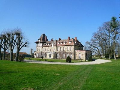 11 bedroom French chateau for sale, Paris, Seine-et-Marne, Loire Valley
