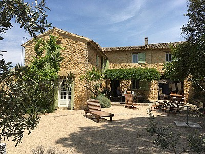 3 bedroom farmhouse for sale, Lagnes, Vaucluse, Provence French Riviera