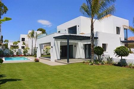 4 bedroom villa for sale, El Paraiso, Estepona, Malaga Costa del Sol, Andalucia