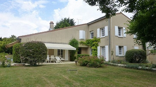 6 bedroom house for sale, Saint Jean D'Angely, Charente-Maritime, Poitou-Charentes