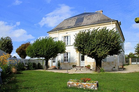 8 bedroom manor house for sale, Mortagne Sur Gironde, Charente-Maritime, Poitou-Charentes