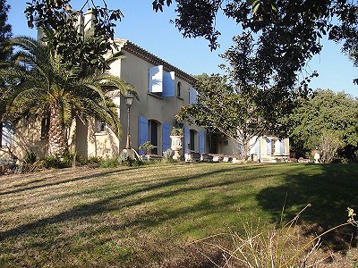 4 bedroom farmhouse for sale, Nimes, Gard, Languedoc-Roussillon