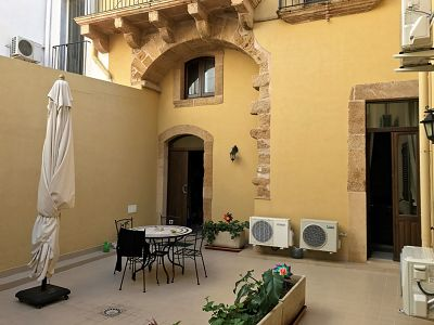6 bedroom villa for sale, Augusta, Syracuse, Sicily