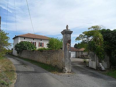 6 bedroom farmhouse for sale, La Rochefoucauld, Charente, Poitou-Charentes
