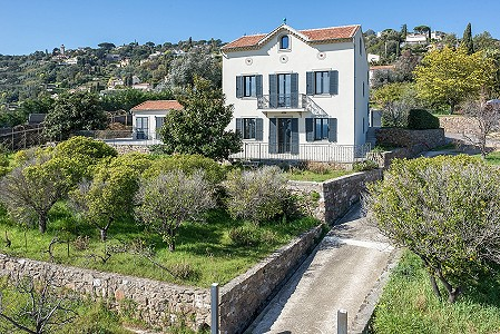 2 bedroom house for sale, Vallauris, Antibes Juan les Pins, Provence French Riviera