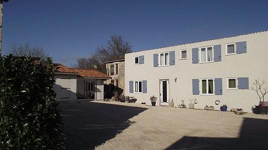 17 bedroom house for sale, Matha, Charente-Maritime, Poitou-Charentes