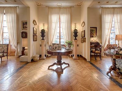 Prestigious 4 bed apartment in Florence for sale