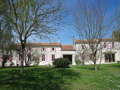 5 bedroom house for sale, Saint Savinien Sur Charente, Charente-Maritime, Poitou-Charentes