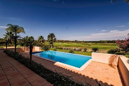 4 bedroom villa for sale, Alcantarilha, Albufeira, Algarve