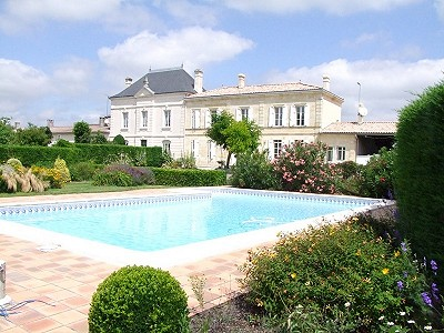 Fabulous Bordeaux Vineyard Estate with B&B business for sale in Gironde