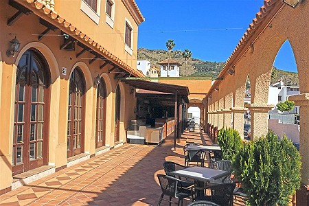 4 bedroom restaurant bar for sale, Pizarra, Malaga Costa del Sol, Andalucia